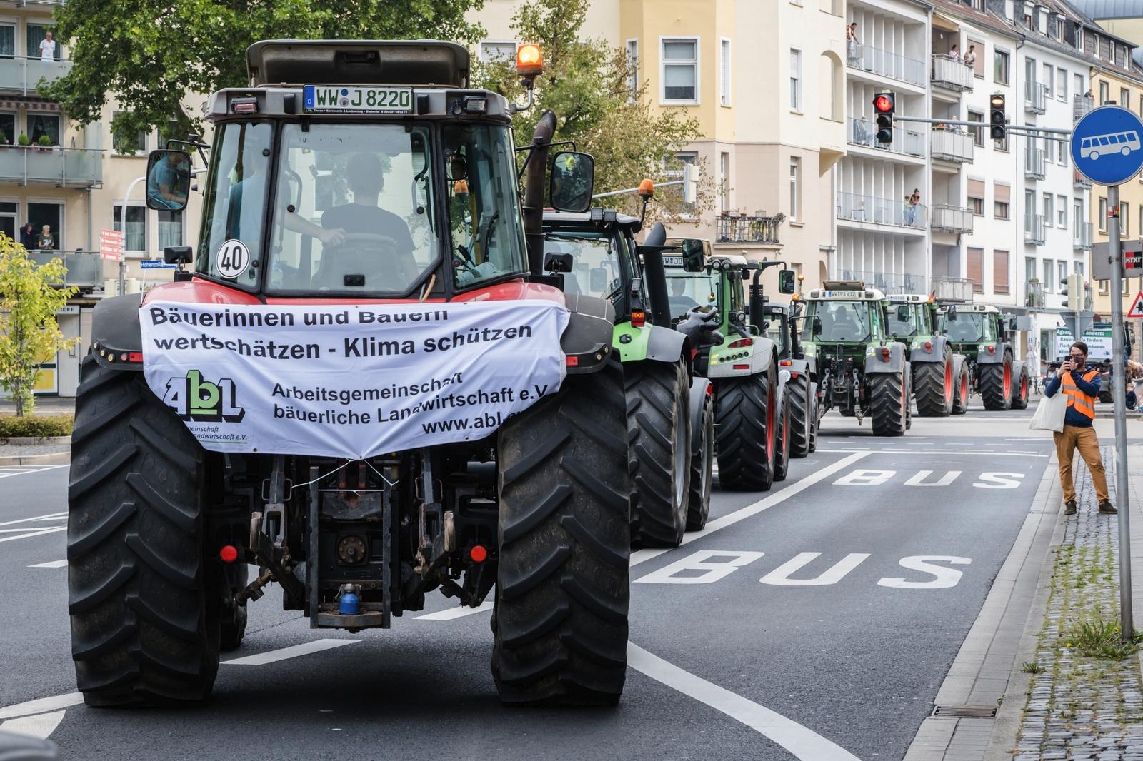 Demonstration anlässlich des EU-Agrarministertreffens in Koblenz (30.8.)  Pressefoto kann zur freien Verwendung gegen Angabe der Quelle genutzt werden:   Bernd Hartung/www.wir-haben-es-satt.de